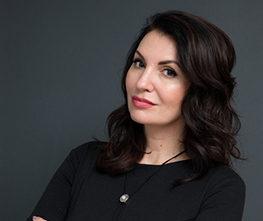 Анна Толстолутская
